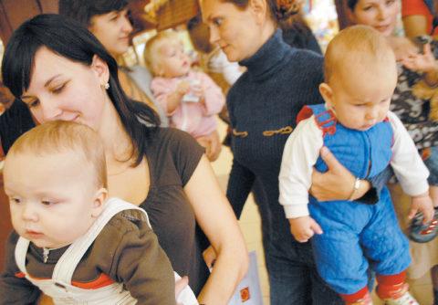 Публичное кормление грудью - флешмоб Молочных Фей 2009