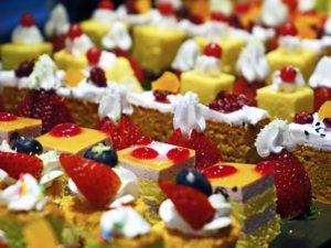 cakes 489849 640